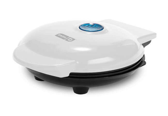 Dash-DMS001WH-Mini-Maker-Electric-Round-Griddle-for-Individual-Pancakes-Cookies-Eggs-other-on-the-go-Breakfast-Lunch-Snacks