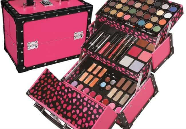 BR-Carry-All-Trunk-Train-Case-with-Makeup-and-Reusable-Case-Makeup-Gift-Set-Pink